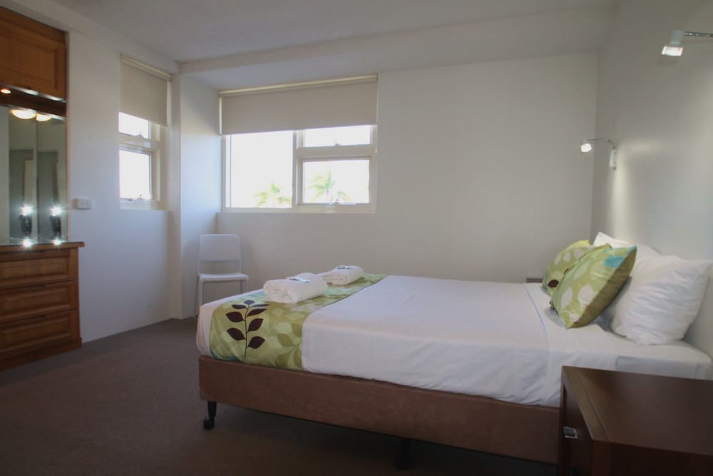 84 스핏 홀리데이 아파트먼트(84 The Spit Holiday Apartments) Hotel Image 19 - Guestroom
