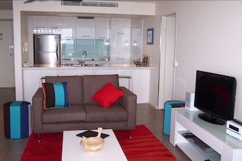 84 스핏 홀리데이 아파트먼트(84 The Spit Holiday Apartments) Hotel Image 103 - Living Area