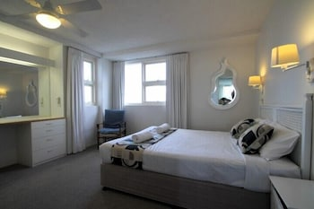 84 스핏 홀리데이 아파트먼트(84 The Spit Holiday Apartments) Hotel Image 11 - Guestroom