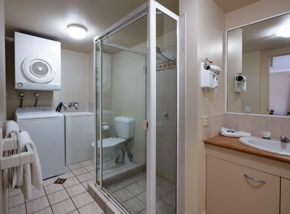 아일랜드 비치 리조트(Island Beach Resort) Hotel Image 46 - Bathroom