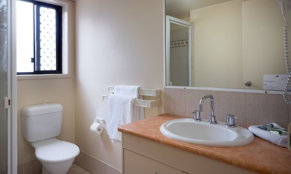 아일랜드 비치 리조트(Island Beach Resort) Hotel Image 45 - Bathroom