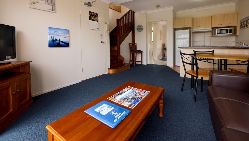 아일랜드 비치 리조트(Island Beach Resort) Hotel Image 29 - Living Area