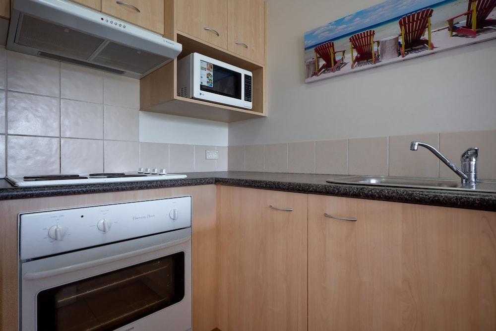 아일랜드 비치 리조트(Island Beach Resort) Hotel Image 24 - In-Room Kitchen