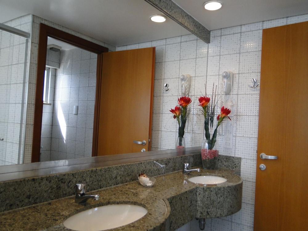 코스타 도 마르 호텔(Costa do Mar Hotel) Hotel Image 55 - Bathroom