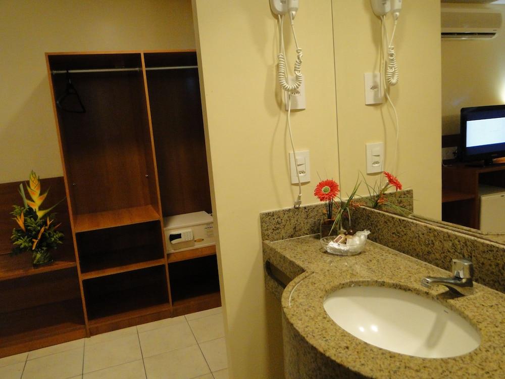 코스타 도 마르 호텔(Costa do Mar Hotel) Hotel Image 29 - Bathroom