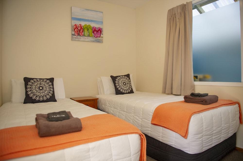 앨버트 넘버 6 모텔(Albert Number 6 Motel) Hotel Image 8 - Guestroom