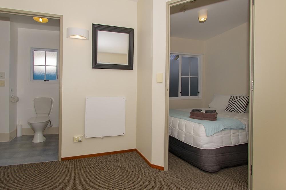앨버트 넘버 6 모텔(Albert Number 6 Motel) Hotel Image 39 - Guestroom