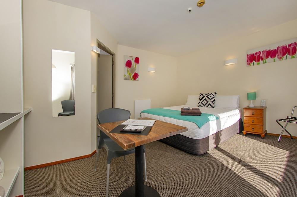 앨버트 넘버 6 모텔(Albert Number 6 Motel) Hotel Image 40 - Guestroom