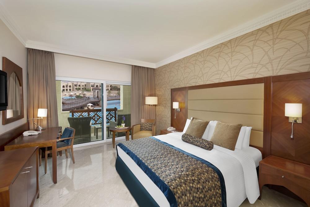 https://i.travelapi.com/hotels/5000000/4250000/4249300/4249282/2fc509c6_z.jpg