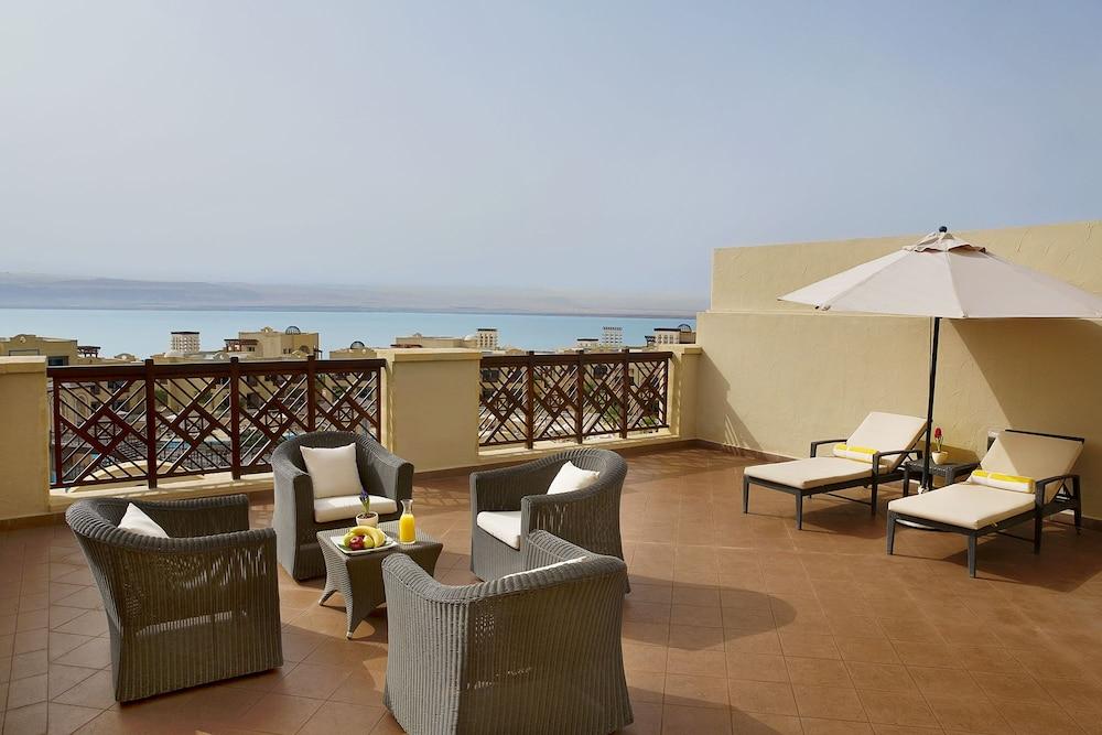 https://i.travelapi.com/hotels/5000000/4250000/4249300/4249282/521d777c_z.jpg
