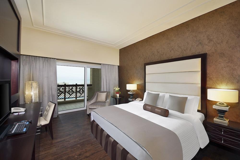 https://i.travelapi.com/hotels/5000000/4250000/4249300/4249282/913fd389_z.jpg