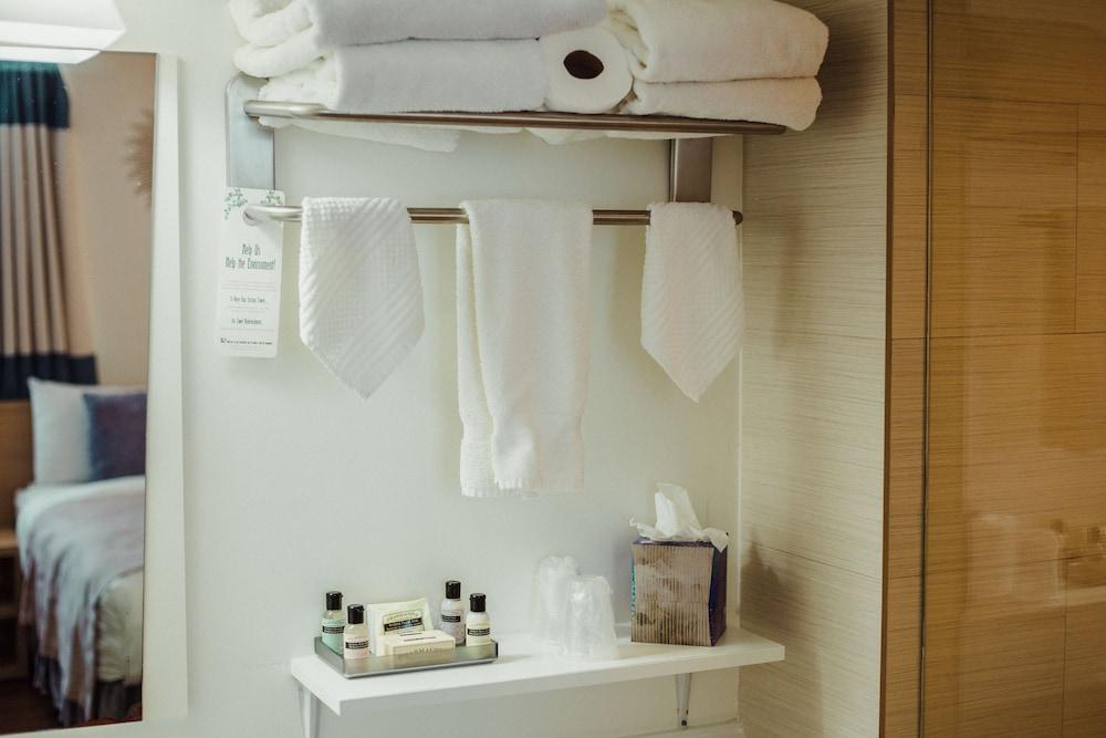 빌라 이탈리아 사우스 비치(Villa Italia South Beach) Hotel Image 51 - Bathroom