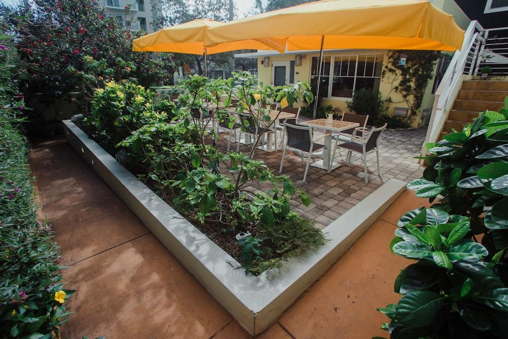 빌라 이탈리아 사우스 비치(Villa Italia South Beach) Hotel Image 1 - Garden View