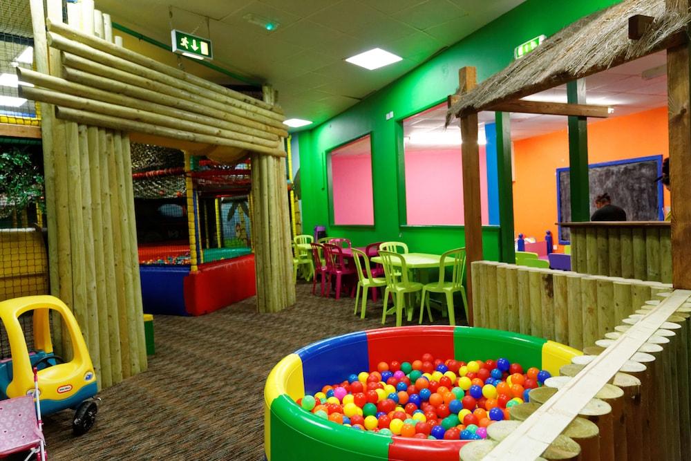 사우스포트 홀리데이 파크(Southport Holiday Park) Hotel Image 19 - Childrens Play Area - Indoor