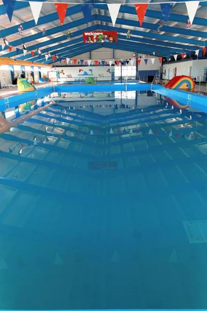 사우스포트 홀리데이 파크(Southport Holiday Park) Hotel Image 1 - Pool