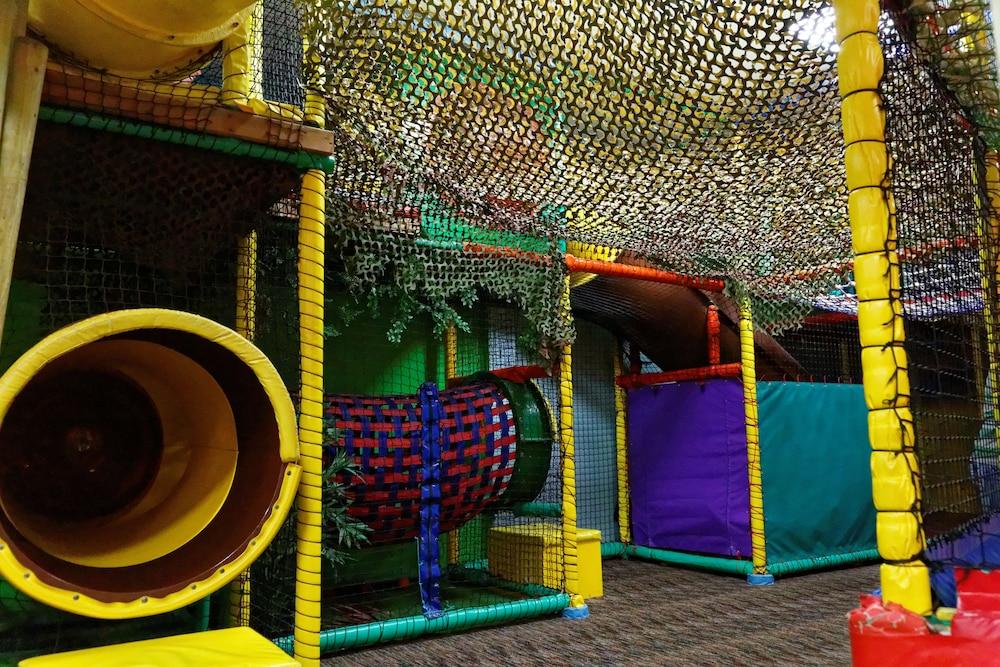 사우스포트 홀리데이 파크(Southport Holiday Park) Hotel Image 20 - Childrens Play Area - Indoor