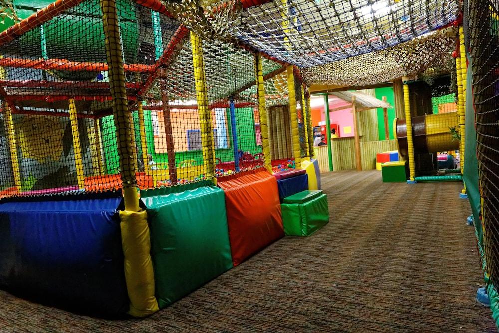 사우스포트 홀리데이 파크(Southport Holiday Park) Hotel Image 21 - Childrens Play Area - Indoor