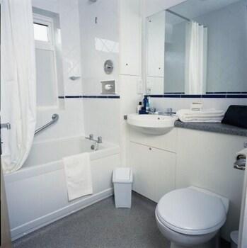 사우스포트 홀리데이 파크(Southport Holiday Park) Hotel Image 7 - Bathroom