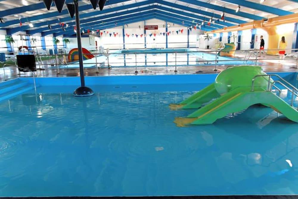 사우스포트 홀리데이 파크(Southport Holiday Park) Hotel Image 3 - Pool