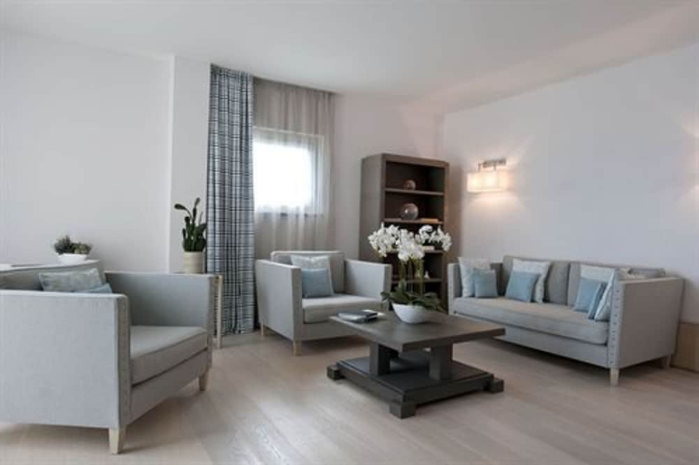 그랜드 호텔 알라시오 리조트 & 스파(Grand Hotel Alassio Resort & Spa) Hotel Image 15 - Living Area