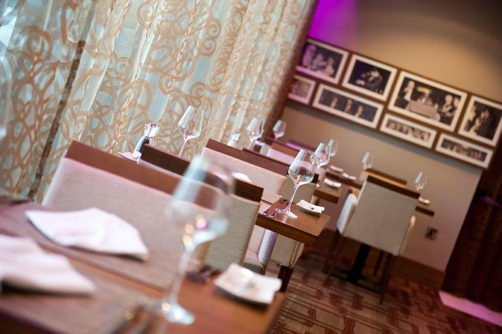 카사 호텔(Casa Hotel) Hotel Image 7 - Restaurant