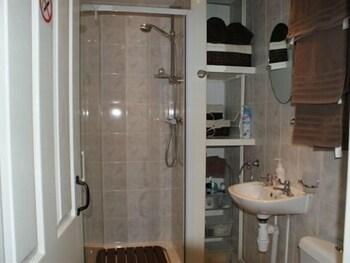 그린뱅크 B&B(Greenbank B&B) Hotel Image 9 - Bathroom