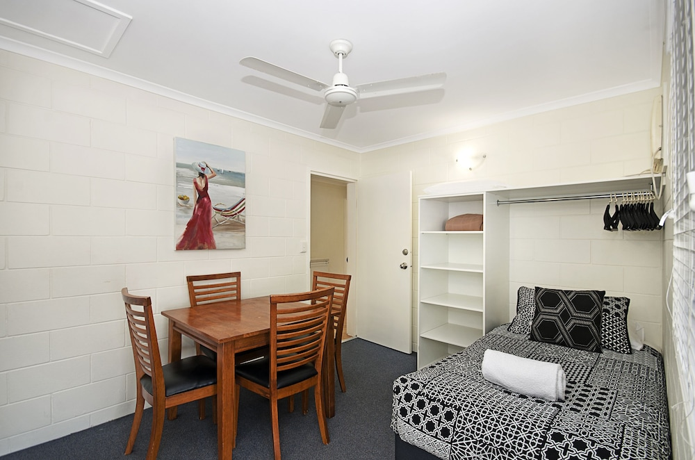 타운빌 홀리데이 아파트먼트(Townsville Holiday Apartments) Hotel Image 9 - Guestroom