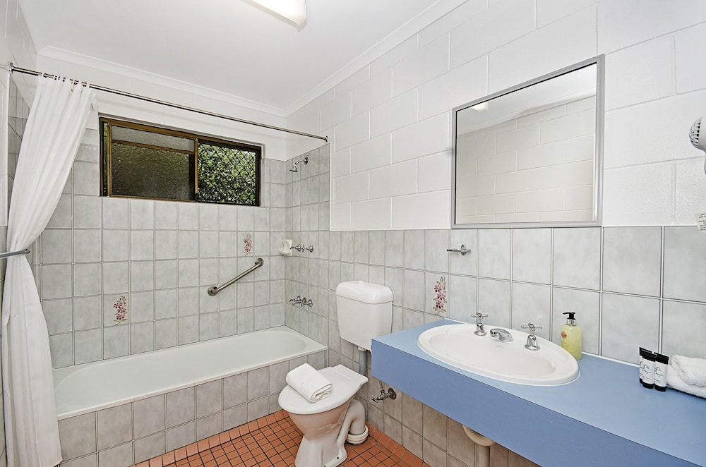 타운빌 홀리데이 아파트먼트(Townsville Holiday Apartments) Hotel Image 32 - Bathroom