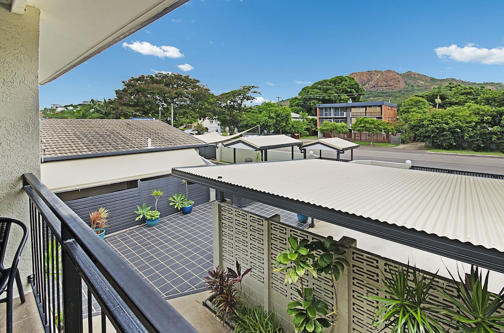 타운빌 홀리데이 아파트먼트(Townsville Holiday Apartments) Hotel Image 38 - View from Hotel