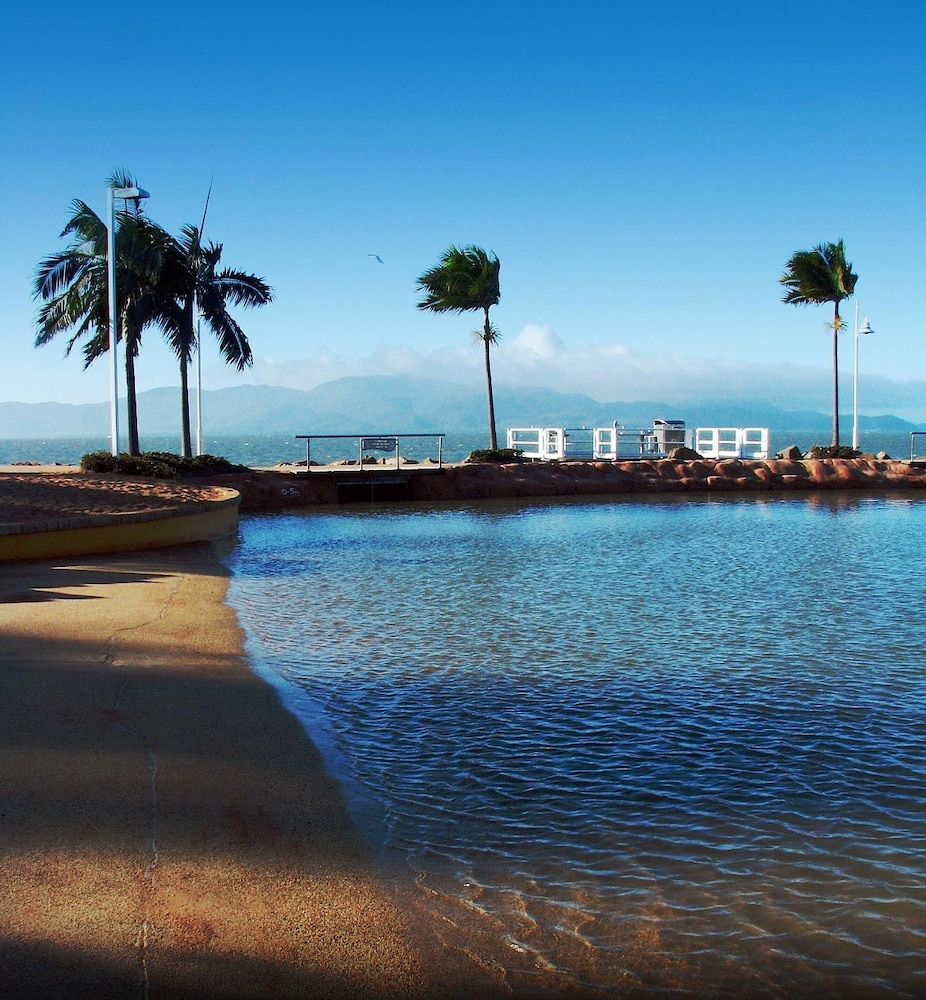 타운빌 홀리데이 아파트먼트(Townsville Holiday Apartments) Hotel Image 37 - Beach