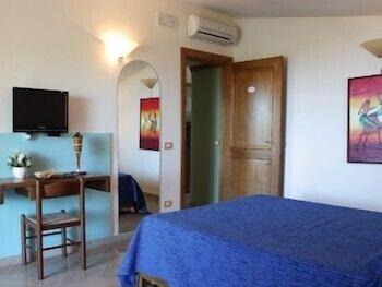 레 두에 시레네(Le due Sirene) Hotel Image 12 - Guestroom