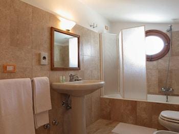 레 두에 시레네(Le due Sirene) Hotel Image 15 - Bathroom Amenities