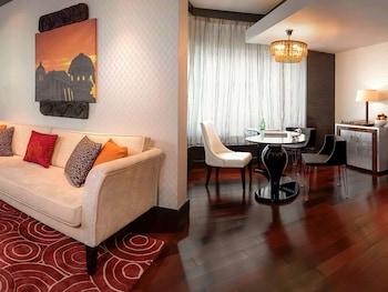 Suite, 1 King Bed (Prestige)