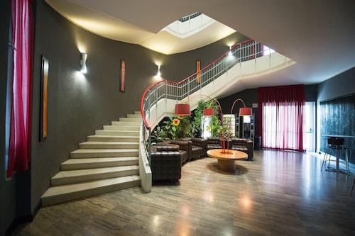 . Residenza Cenisio