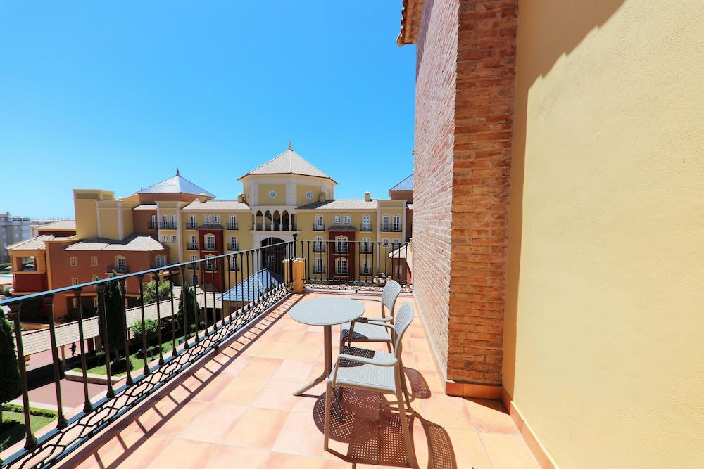 이베로스타 말라가 플라야(Iberostar Málaga Playa) Hotel Image 29 - Balcony