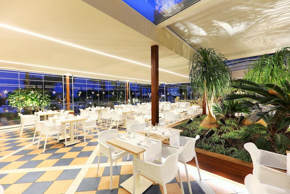 이베로스타 말라가 플라야(Iberostar Málaga Playa) Hotel Image 49 - Restaurant