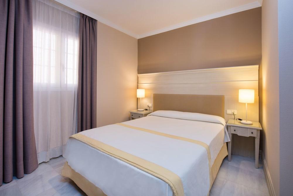 이베로스타 말라가 플라야(Iberostar Málaga Playa) Hotel Image 7 - Guestroom