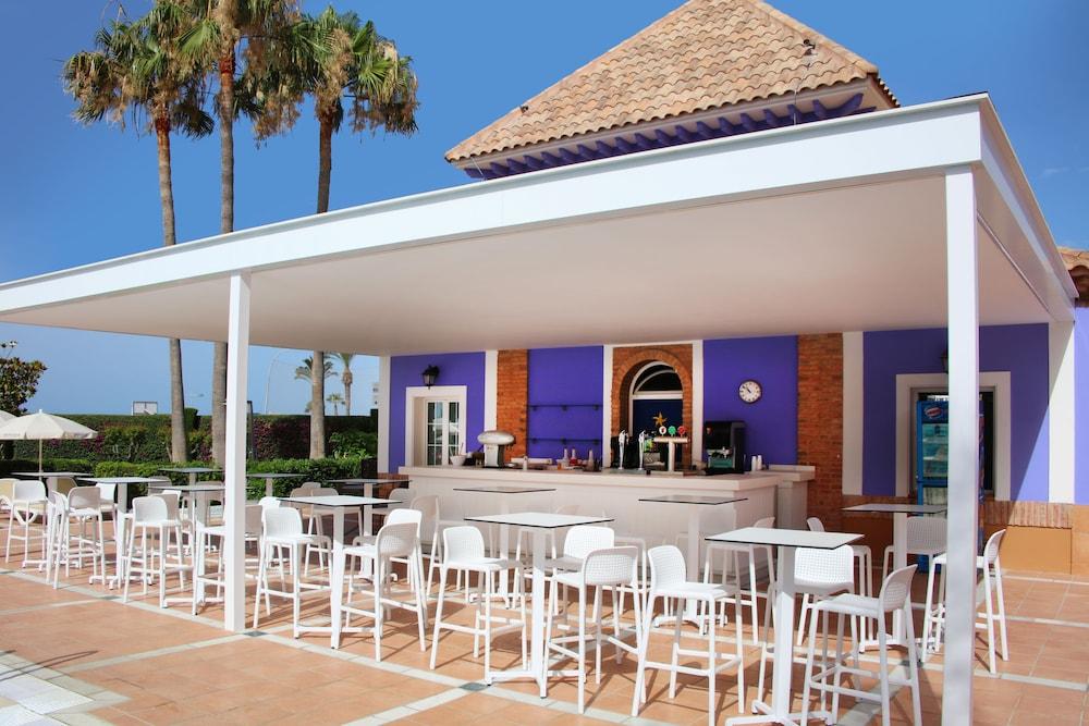 이베로스타 말라가 플라야(Iberostar Málaga Playa) Hotel Image 57 - Poolside Bar