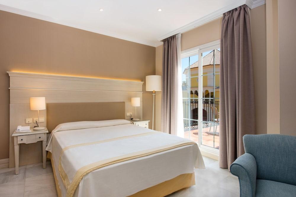 이베로스타 말라가 플라야(Iberostar Málaga Playa) Hotel Image 9 - Guestroom