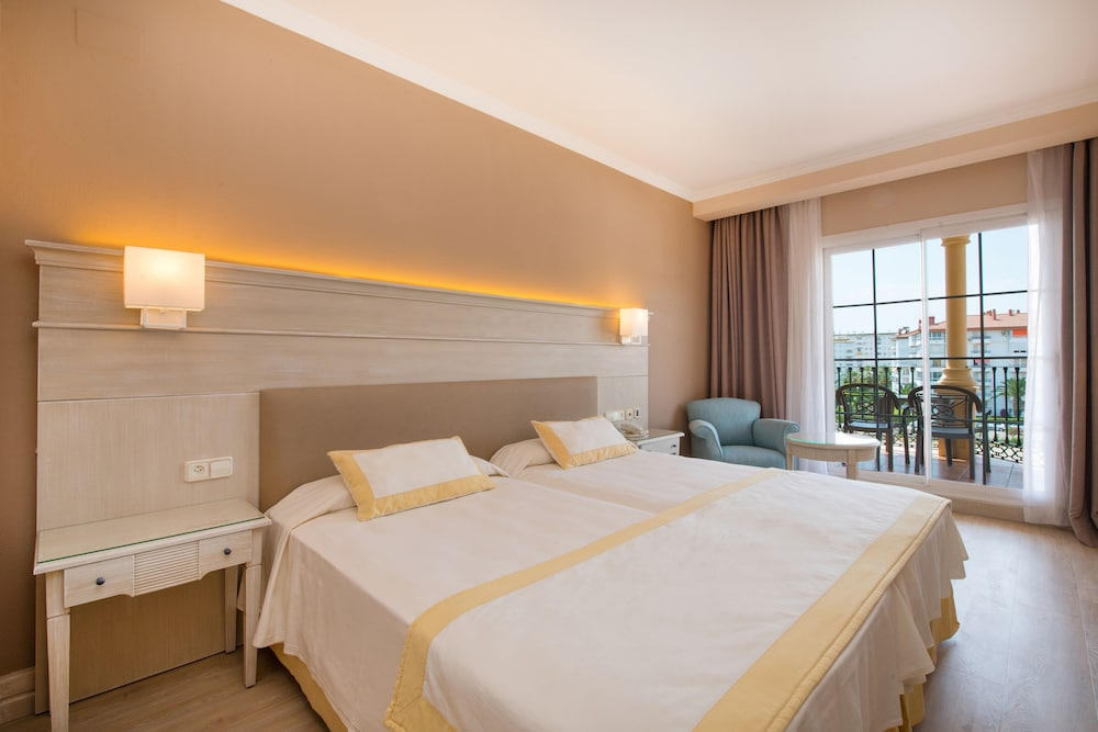이베로스타 말라가 플라야(Iberostar Málaga Playa) Hotel Image 11 - Guestroom