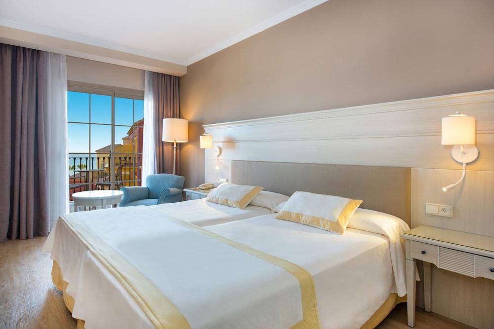 이베로스타 말라가 플라야(Iberostar Málaga Playa) Hotel Image 12 - Guestroom