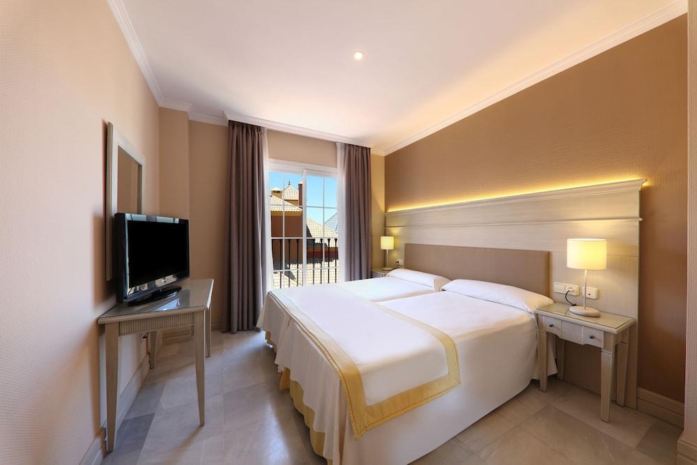 이베로스타 말라가 플라야(Iberostar Málaga Playa) Hotel Image 18 - Guestroom