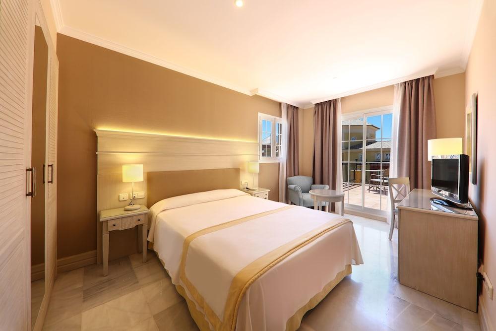 이베로스타 말라가 플라야(Iberostar Málaga Playa) Hotel Image 19 - Guestroom