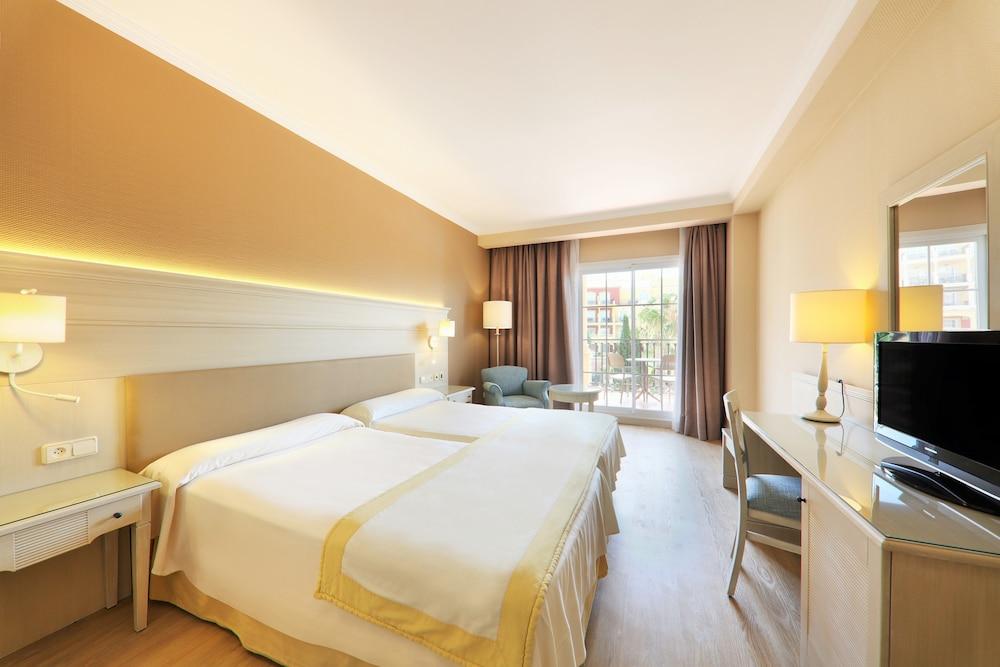 이베로스타 말라가 플라야(Iberostar Málaga Playa) Hotel Image 20 - Guestroom