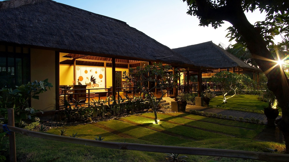 부미 링가 더 프라타마 빌라스(Bumi Linggah The Pratama Villas) Hotel Image 43 - Garden