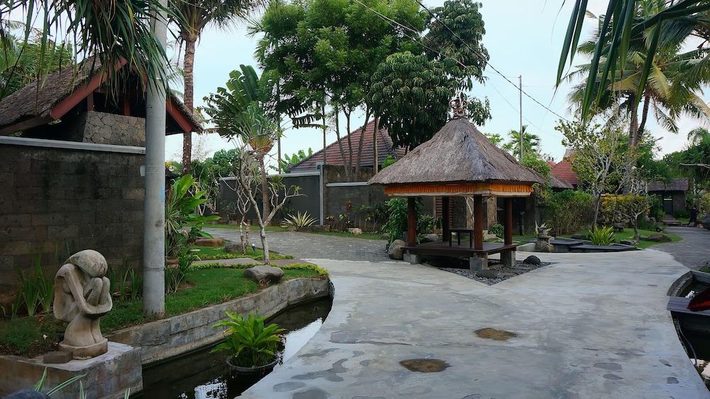 부미 링가 더 프라타마 빌라스(Bumi Linggah The Pratama Villas) Hotel Image 44 - Gazebo