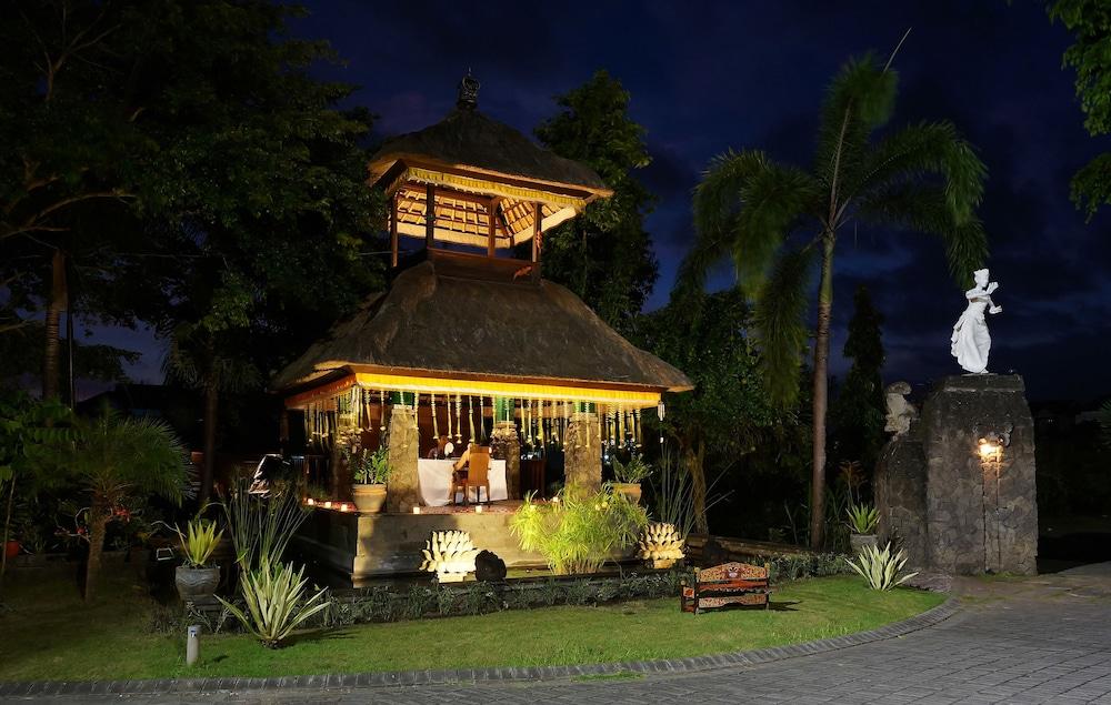 부미 링가 더 프라타마 빌라스(Bumi Linggah The Pratama Villas) Hotel Image 35 - Couples Dining