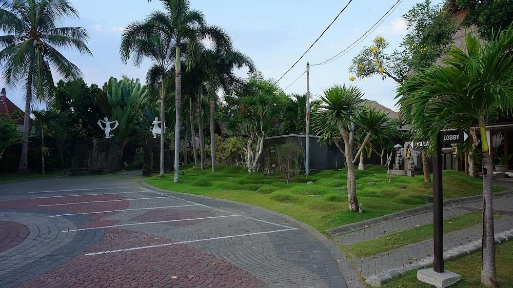 부미 링가 더 프라타마 빌라스(Bumi Linggah The Pratama Villas) Hotel Image 41 - Garden