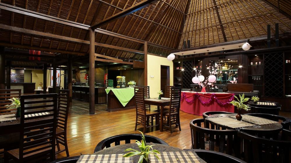 부미 링가 더 프라타마 빌라스(Bumi Linggah The Pratama Villas) Hotel Image 32 - Restaurant
