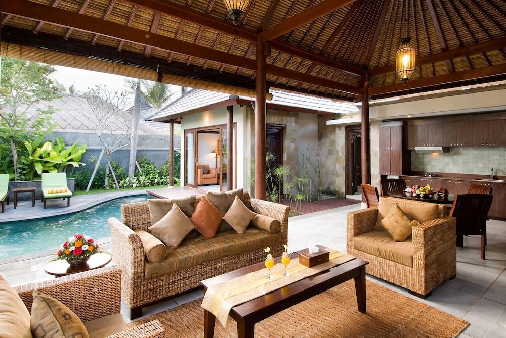 부미 링가 더 프라타마 빌라스(Bumi Linggah The Pratama Villas) Hotel Image 16 - Living Room